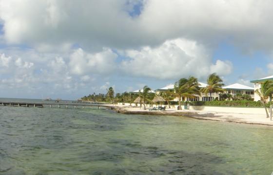 Banana Beach Resort in San Pedro